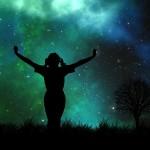 宇宙からのメッセージを受け取ろう 幸せのヒントをつかむ方法